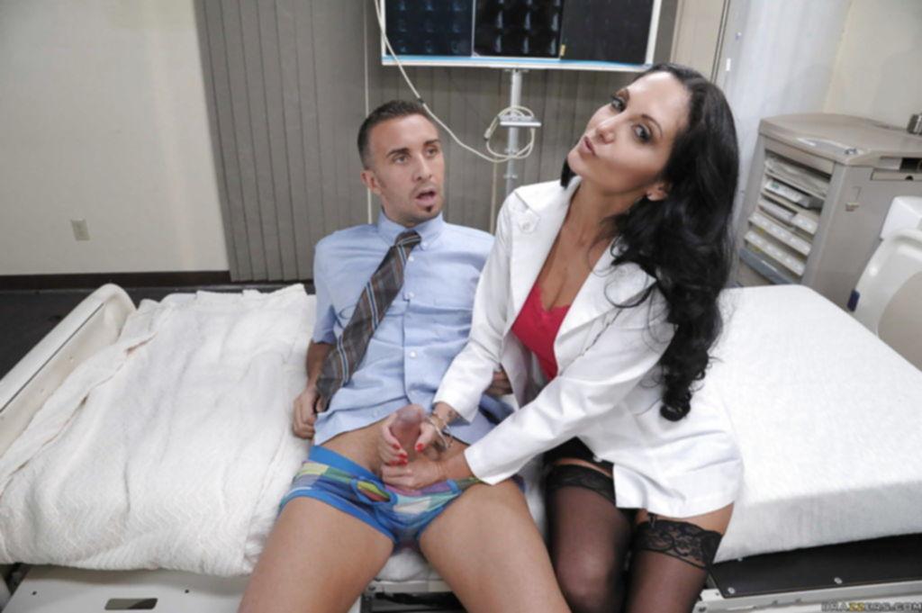 Анальная секс терапия для пациента с большим членом